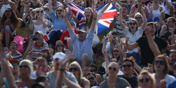 WimbledonTennis_Crowd_b